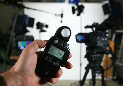 Measurement of the illumination during professional recording